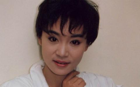 刘雪华未婚怀孕遭抛弃!历经流产中年丧夫仍相信爱情