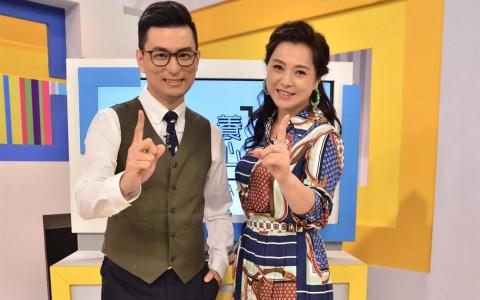 49岁张凤书素颜被认证!儿科界金城武:化妆前后没差别