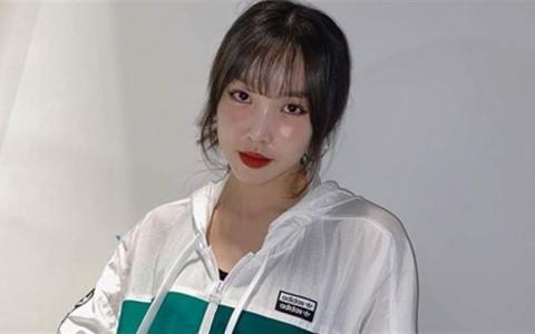 170cm女偶像「中空上衣配超激短裤」辣洩9等身超长神腿